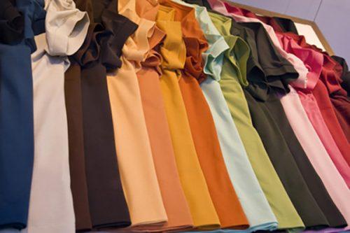 Motiv Kleidung in Herbstfarben - Komood-Lexikon